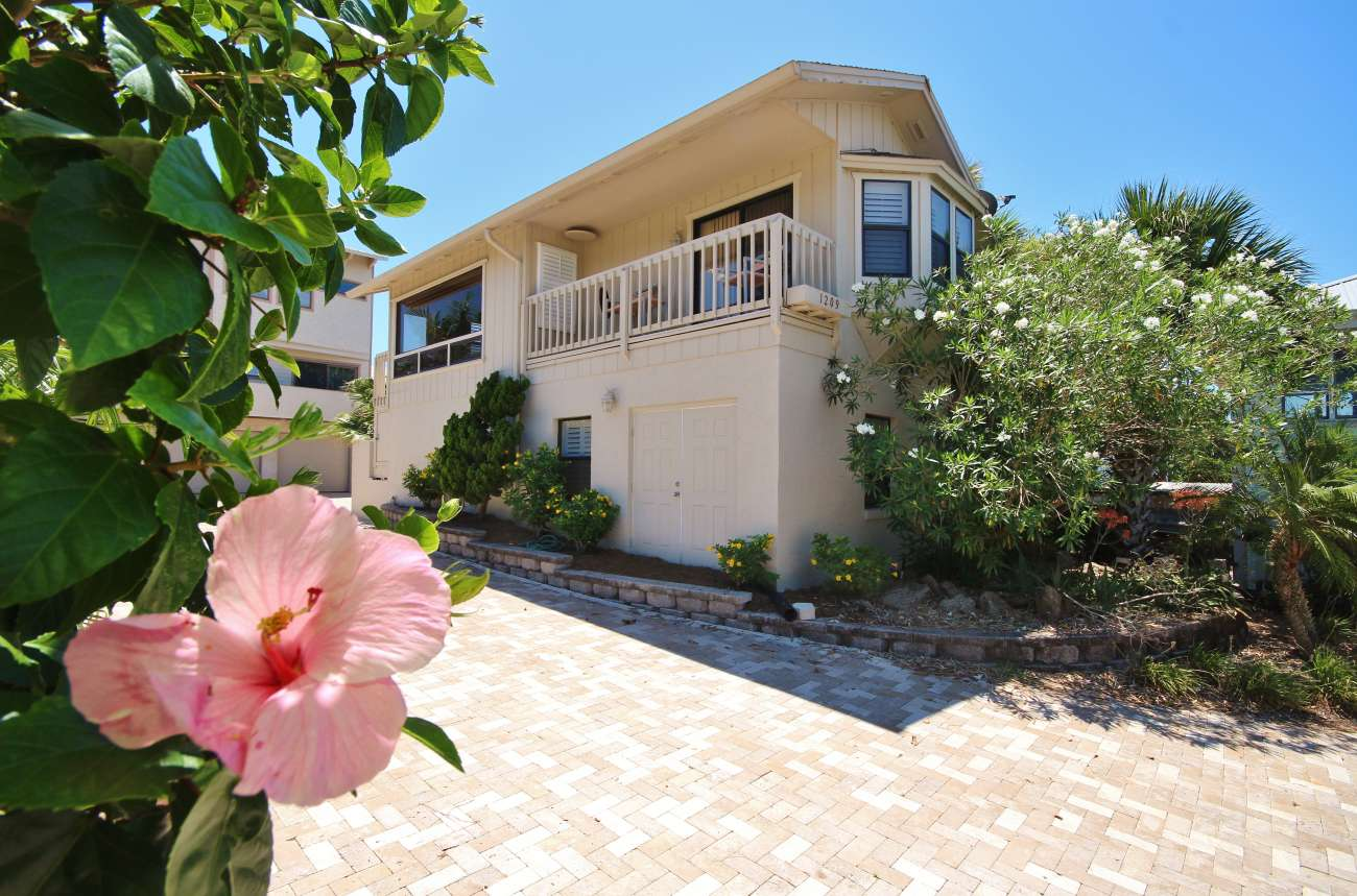 New Smyrna Beach Atlantic North Salt Life Guest House.10